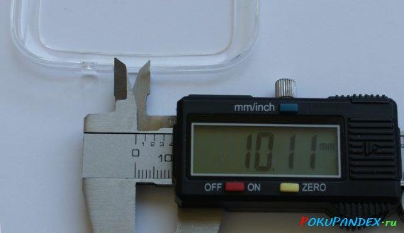 Измерение ширины отверстия для зарядки в китайском бампере Galaxy S4