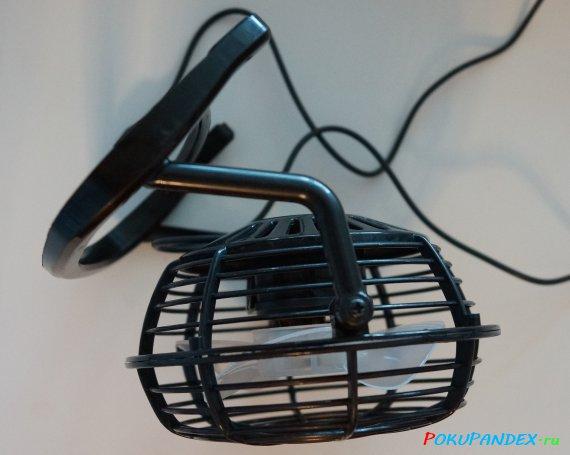 Настольный USB-вентилятор. Вид сбоку.