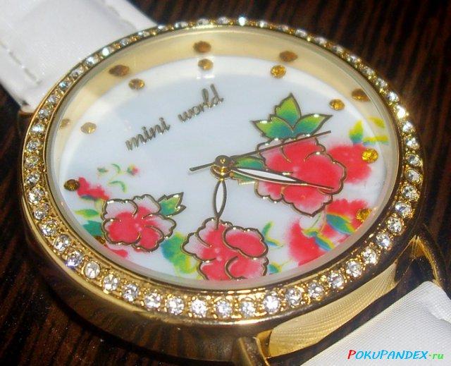 a366b79713a8 Часы, как и вся продукция бренда, выглядят очень нарядно, впечатления  дешёвки не вызывают, читаемость показаний хронометра — удовлетворительная  (стрелки ...