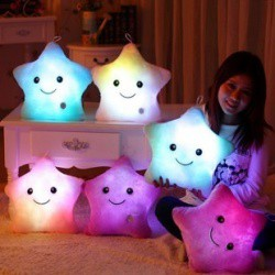 Декоративная плюшевая подружка-подушка с подсветкой.
