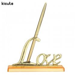 Ручка с пером в золотом цвете