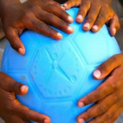 Неубиваемый мяч от проект One World Play Project или удивительные вещи из буржуйнета